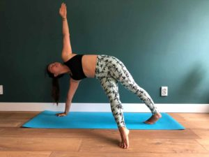yoga oefening - Twisted plank position