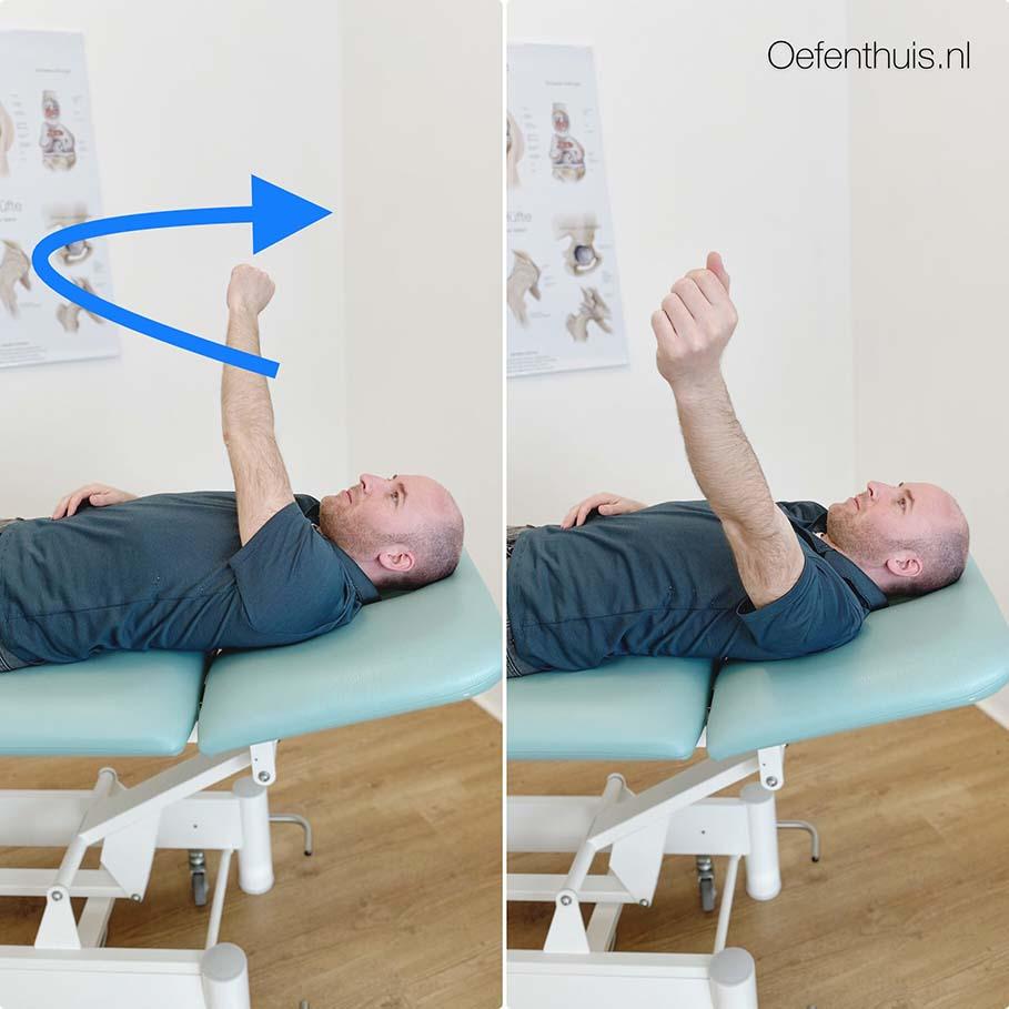 schouderluxatie arm draaien in ruglig